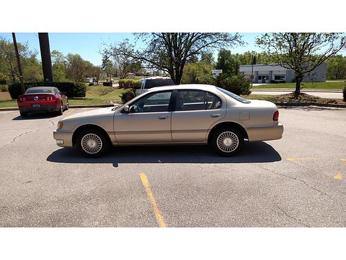 1998 INFINITI I30 Cold AC Sunroof Clean Dependable 2100obo 803-641-0620