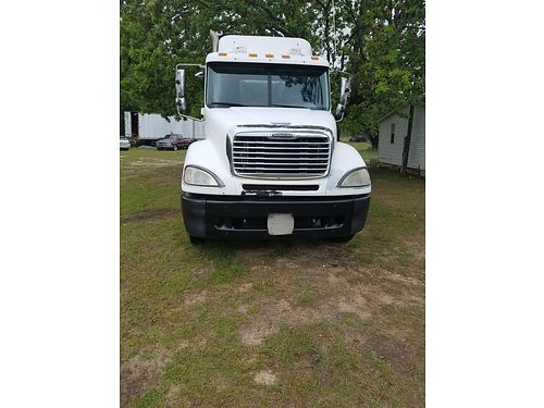 2006 FREIGHTLINER DAYCAB mercedes motor with a headache rack gc clean no cracks or stratches call