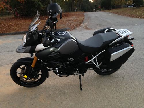 2016 SUZUKI STORM grey and black gold front forks 3000 miles all digital not broken in 9500 for