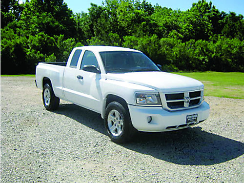 2011 DODGE DAKOTA BIG HORN 4dr Ext Cab V6 All Power CD Alloys Bedliner 1 Owner Extra Sharp