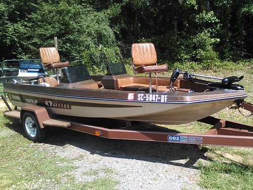 1979 TERRY BASS 100hp rebuilt motor 2 live wells trolling motor depth finder all great condition