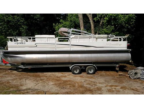 2005 BENTLEY PONTOON like new 24ft 50hp fish finder trolling motor 4 fishing seats 2 live well