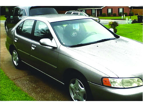 2001 NISSAN ALTIMA GXE 110500 miles xc automatic ac tan in color 3500 for more photos in color