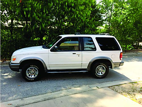 1999 FORD EXPLORER 2Dr Sport Low Miles Cold AC 2800obo 803-641-0620