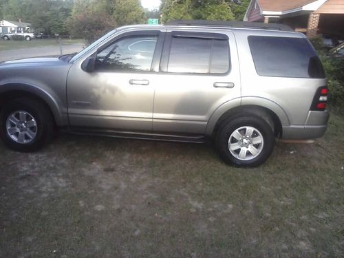 2008 FORD EXPLORER clean ready to ride 3000 obo