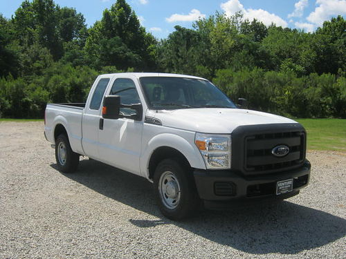 2013 FORD F-250 XL 4Dr Ext Cab Short Bed 62 V8 All Power Gooseneck Hitch Tow PKG Heavy Duty