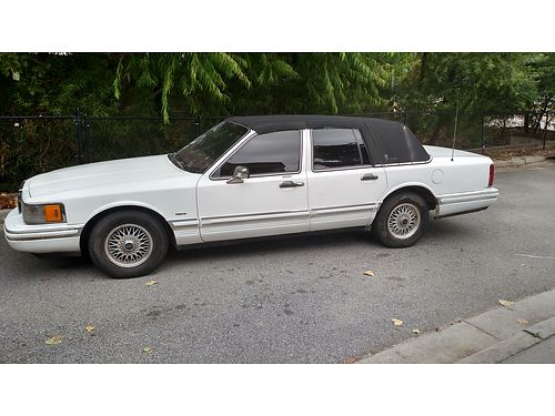 1992 LINCOLN TOWN CAR 1 Owner Low Miles Cold AC 1600obo 803-641-0620