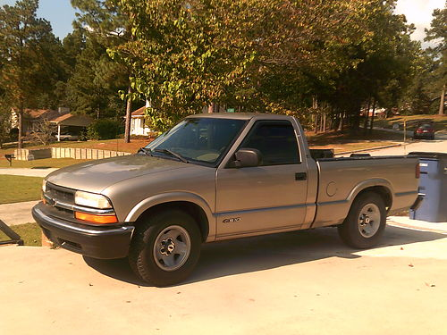 2000 CHEVY S-10 6cyl auto great air conditioner runs good 5000 for photos search 2978359 on www