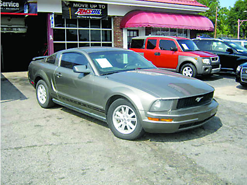 2005 FORD MUSTANG 2dr Auto Gold 6000 800-805-7984