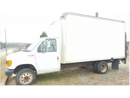 2001 Ford E350 Box Truck 16ft rebuilt gas motor has 40k miles Working liftgate 3800 Call Paul