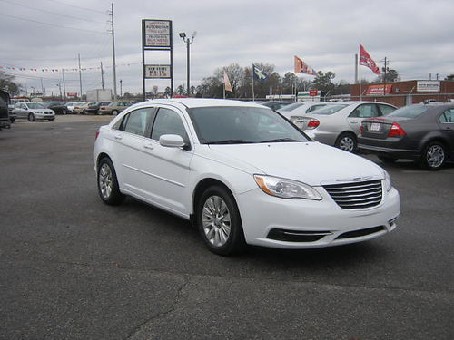 2011 CHRYSLER 200 4dr Auto White 11495 888-640-5901