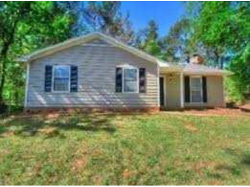 RENT 2 OWN HOMES This 3br 2ba Home 725mo Call Bob Hale Realty 706-796-2274 or text rent2own to 70