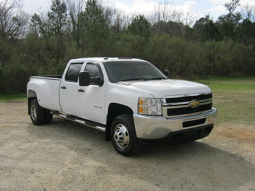 2011 CHEVY 3500 HD Crew Cab Dually Duramax Diesel Tow Pkg Bedliner One Owner Very Well- Mainta