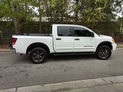 2015 NISSAN TITAN SV 4x4 white rockford fosgate sound system tow package back up camera loaded