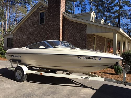 1996 STINGRAY 556 mercruiser 3l 135hp engine inboard outboard excellent condition lake ready o