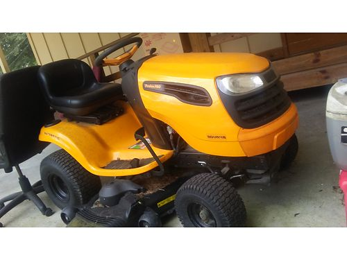 MOWER Poulan Pro rider 48 deck 20hp still like new condition only used twice msta 900 firm for