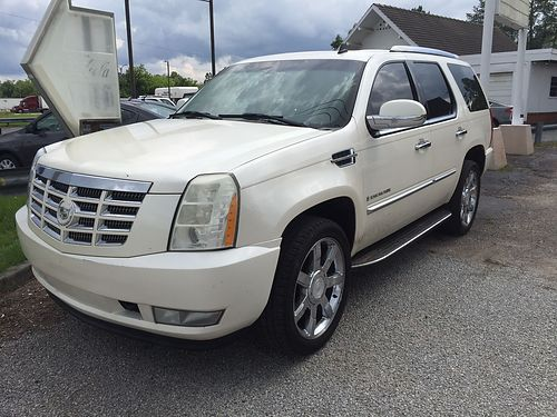 2007 CADILLAC ESCALADE Quad Seats DVD Loaded Moonroof Tinted Windows 15000 OBO