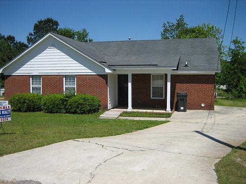 RENT 2 OWN HOMES This 3br 2ba Home 825mo Call Bob Hale Realty 706-796-2274 or text rent2own to 70