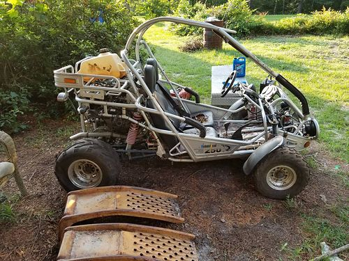 CBR 600 BUGGY ran a year ago needs carbs cleaned and a jack shaft for the chain have title for the