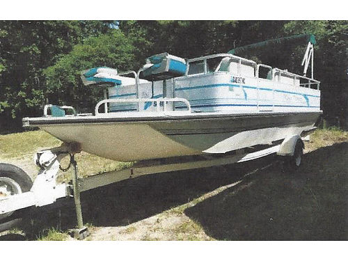 1996 GRUMMAN aluminum deck boat 22 ft good shape needs motor 4000obo for photos search 2992234 o