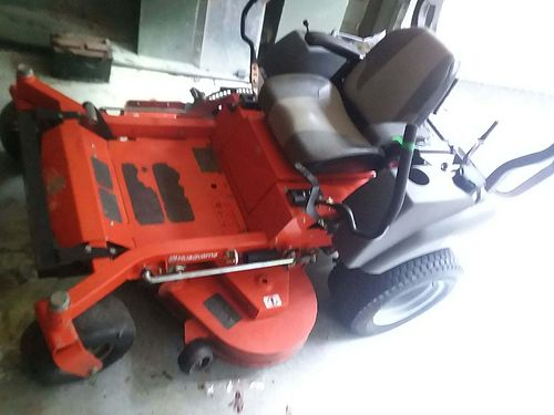 MOWER husqvarna MZT52 commercial mint condition only 600 hrs 3700 obo for color photo search 299