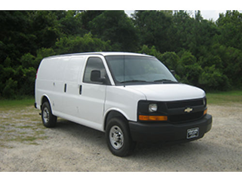 2014 CHEVY EXPRESS 2500 Cargo Van 48 V8 All Power Bulkhead Nice Interior Shelves and Drawers to