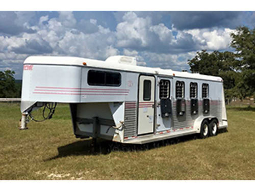 HORSE TRAILER 2000 Gore 4 horse slant load rear tack and front tackdressing room with walk through