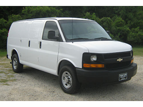 2015 CHEVY EXPRESS 2500 Cargo Van  48 V8 Nice Interior Shelves Cabinets Drawers All Power Bac