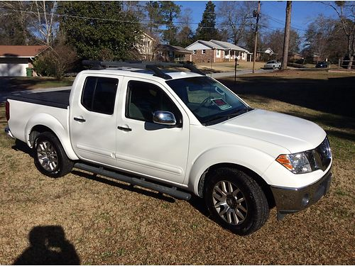 2012 NISSAN FRONTIER SL 57k miles new tires all power loaded with sunroof bed cover luggage rack