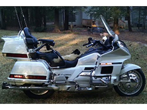1999 HONDA GOLDWING SE 50th anniversary edition 103k miles mostly highway miles 1 owner pearl wh