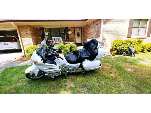 2006 HONDA GOLD WING gl 1800 nav  comfort package 86700miles luggage rack l