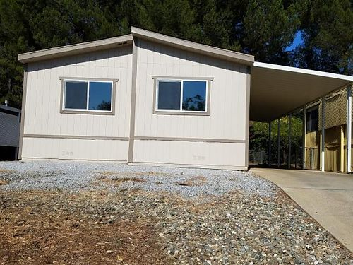 1995 DOUBLEWIDE updated manufactured 3-bedroom 2-bath home in senior park central air first mont