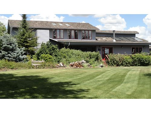 COUNTRY living in Eastern Washington 4-bedroom 35-bath perfect for telecommuting and extended gu