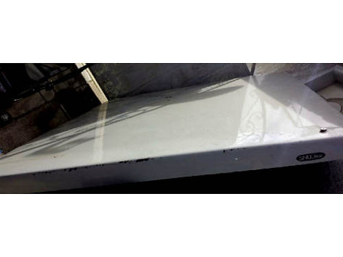 SNUG TOP - Fiberglass fits short bed F350 very nice cond moving must sell 450 or make an offer