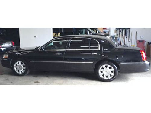 2011 LINCOLN TOWNCAR L auto V8 fully loaded lthr AC stereo fleet maint very clean in and out