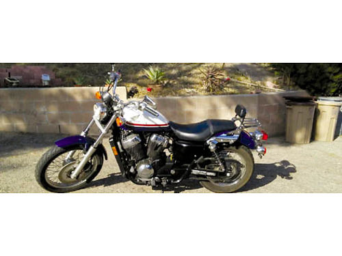 2011 HONDA SHADOW VT750RS 5532 miles excellent condition never been dropped extra set of Cobra