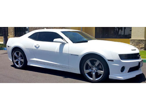 2012 CHEVY CAMARO SS - Auto V8 50k miles fully seats ground effects rear parking camera xlnt c