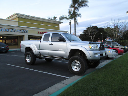 2006 TOYOTA TACOMA EXT CAB Pre-Runner TRD 4 lift 6 spd V6 40L all pwr hard bed cover AC