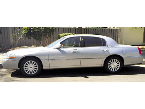 2003 LINCOLN TOWNCAR - Fully loaded tint hi miles heated leather runs great very clean fleet 2