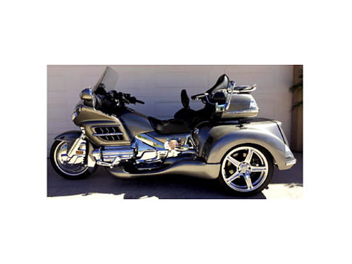 2008 HONDA GOLDWING X3 - SUPER TRIKE 3850 miles stretched heated everything xtra fuel tank fills
