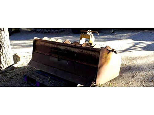 GANNON SCRAPER 3 point hook up 72 inches wide 8 hydraulic rippers blade in good shape 750 obo