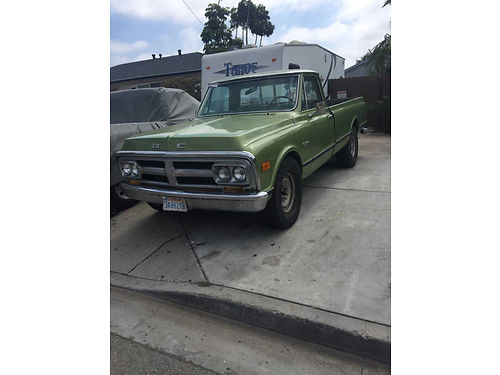 1970 GMC G2500 auto rebuilt 350 runs  drives strong longbed AC nice cond in  out built soli