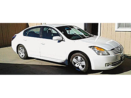 2008 NISSAN ALTIMA - 4 cyl Automatic in xlnt condition clean clean title smogged 150K miles 6