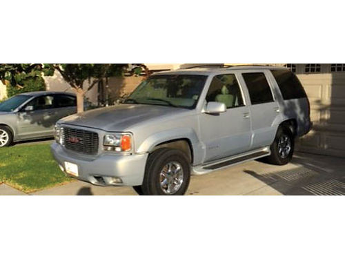2000 GMC YUKON DENALI 4X4 4 door tow hitch running boards good tires chrome
