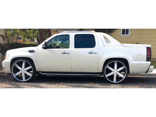 2007 CHEVY AVALANCHE Looks like an Escalade EXT 129K mi all pwr 28 cust whls AC stereo syst