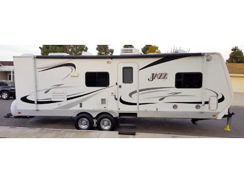 2006 THOR CA JAZZ 260 FQS - This trailer is in beautiful shape and will serve its new owner as well