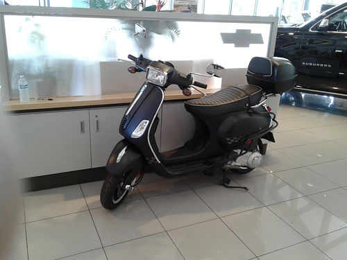 2014 VESPA LX150 Sport - Piaggio Sport Edition less than 1500 original miles Freeway or byway awe