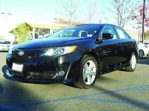 2014 TOYOTA CAMRY - Showroom condition Loaded with extras black beauty - call today 401441hp27