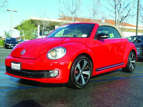 2013 VW BEETLE CONVERTIBLE - best color Have fun with this 801305hp278317991 Honda of Thousan