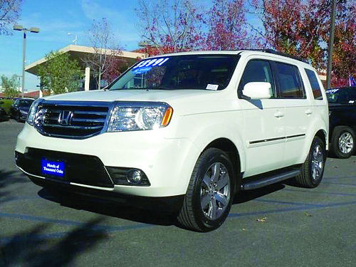 2014 HONDA pilot touring - must see this Loaded with options - call now 012476hp2718 30994 H